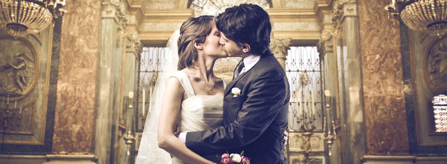 Couple-Kissing-Church
